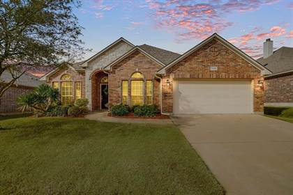 Residential for sale in 7606 Black Willow Lane, Arlington, TX, 76002
