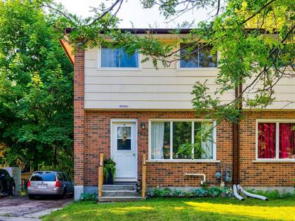 Residential Property for sale in 187 Cedarvale Cres A, Waterloo, Ontario, N2L4T3