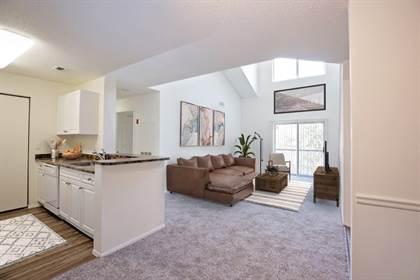 Apartment for rent in 100 Town Walk Dr, Hamden, CT, 06518