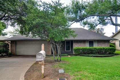 Residential for sale in 2509 Smouldering Wood Drive, Arlington, TX, 76016