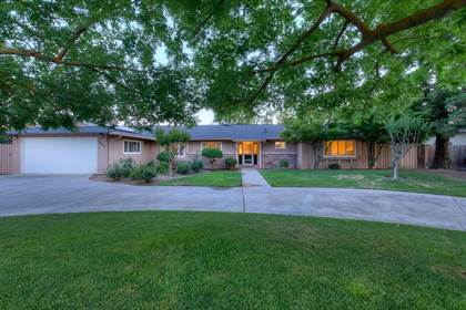 Residential for sale in 1037 W San Madele Avenue, Fresno, CA, 93711