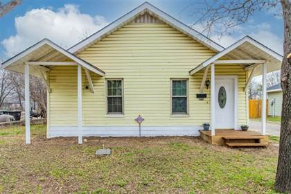 Residential for sale in 2569 High Crest Avenue, Fort Worth, TX, 76111