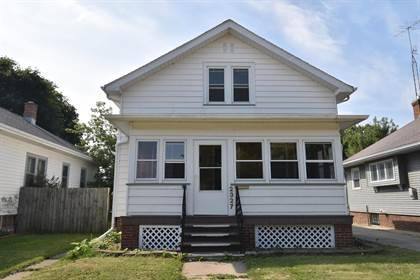 Residential Property for sale in 2327 Mohr Ave, Racine, WI, 53405
