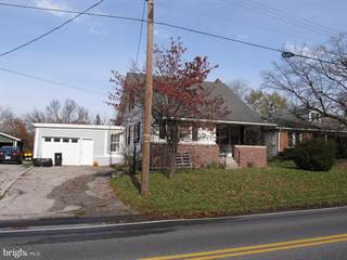 Single Family for sale in 30 W HANOVER STREET, Bonneauville, PA, 17325