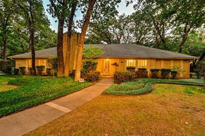 Residential for sale in 4804 Racquet Club Drive, Arlington, TX, 76017