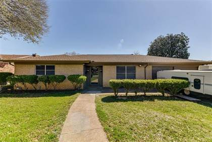 Residential for sale in 233 Bellvue Drive, Fort Worth, TX, 76134