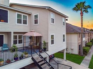 Townhouse for sale in 2017 Glencove Drive, Seabrook, TX, 77586