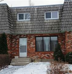 Townhouse for sale in 2008A Foley DRIVE, North Battleford, Saskatchewan, S9A 3G9