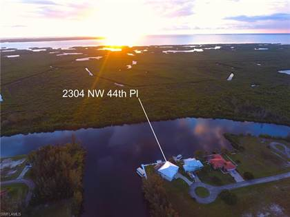Residential Property for sale in 2304 NW 44th PL, Cape Coral, FL, 33993