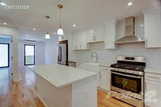 Townhouse for sale in 416 Wilson Avenue, Brooklyn, NY, 11221