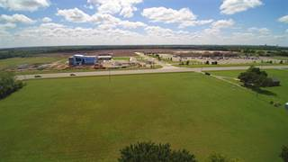 Comm/Ind for sale in 672 E 10TH AVE 674 E 10th Ave, Wellington, KS, 67152