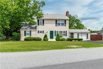 Residential for sale in 19 Midway Drive, Warwick, RI, 02886