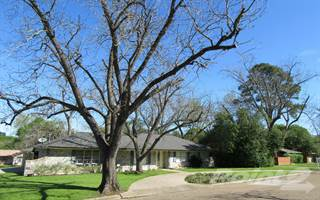 Residential Property for sale in 501 Walnut Hill Drive, Brenham, TX, 77833