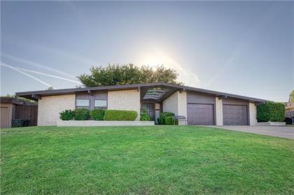 Residential Property for sale in 1120 Sherwood Road, Clinton, OK, 73601