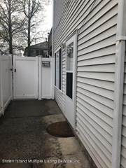 Apartment for rent in 15 Red Cedar Lane, Staten Island, NY, 10309