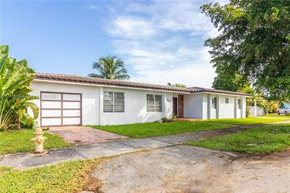 Residential Property for sale in 9661 SW 17th St, Miami, FL, 33165
