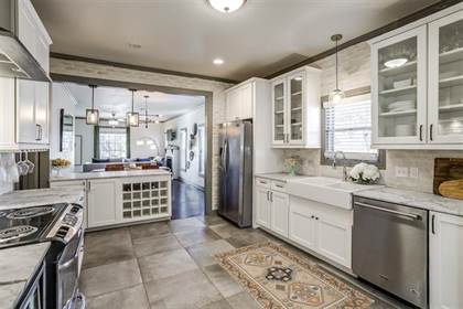 Residential for sale in 2627 Forest Park Boulevard, Fort Worth, TX, 76110