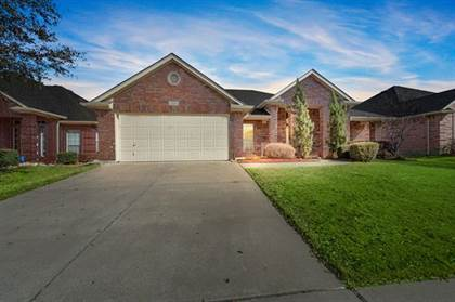 Residential for sale in 2709 White Rock Drive, Fort Worth, TX, 76131