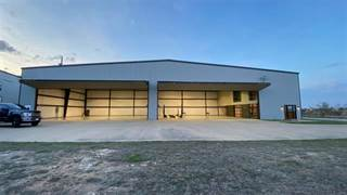 Comm/Ind for sale in 900 Aviator Drive, Fort Worth, TX, 76052