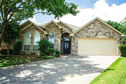 Residential for sale in 1914 Pavia Court, Arlington, TX, 76006