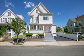 Multifamiliar en venta en 32 Dean St, Everett, MA, 02149