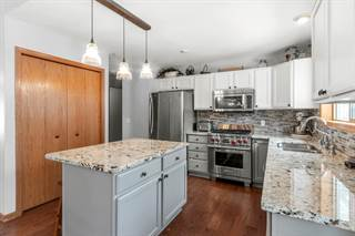 Single Family for sale in N7458 Grand View Dr, Grand View - Oak Knoll, WI, 53190