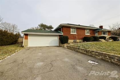 985 Larkin St,    Ottawa,OntarioK1Z 5R5 - honey homes