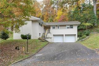 Residential Property for sale in 900 Hillcrest Drive, Saint Albans, WV, 25177