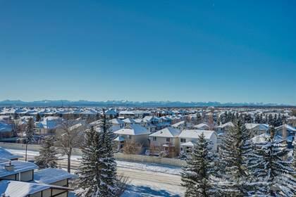 Condominium for sale in 7030 Coach Hill Rd SW, Calgary, Alberta, T3H 1E4