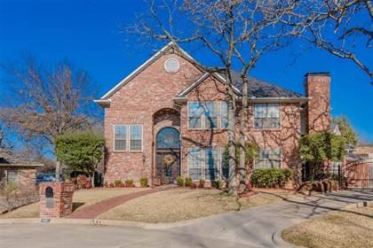 Residential for sale in 2201 Emerald Oaks Court, Arlington, TX, 76017