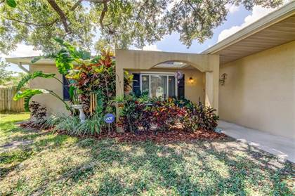 Residential Property for sale in 2807 EAGLE RUN CIRCLE N, Largo, FL, 33760