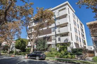 Condo for sale in 150 N Almont Drive 103, Beverly Hills, CA, 90211