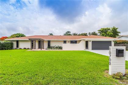 Residential for sale in 10700 SW 110th Ter, Miami, FL, 33176