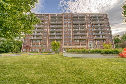 Residential Property for sale in 1100 Clove Road 4g, Staten Island, NY, 10301