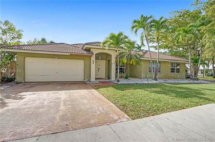 Residential Property for sale in 15370 SW 143rd St, Miami, FL, 33196