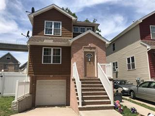 Duplex for sale in 67 Riverside Lane, Staten Island, NY, 10302