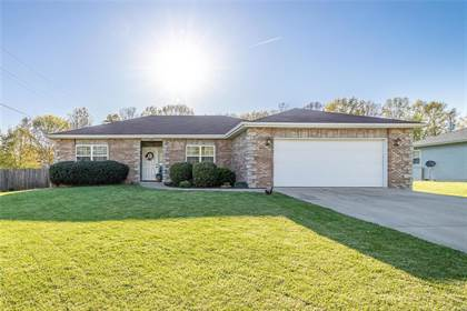 Residential for sale in 1449 Danielle Drive, Lebanon, MO, 65536