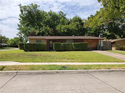 Residential for sale in 2010 Skylark Drive, Arlington, TX, 76010