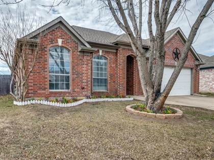 Residential for sale in 710 Gentry Drive, Arlington, TX, 76018
