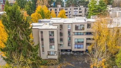Condominium for sale in 2510 W Manor Place 114, Seattle, WA, 98199