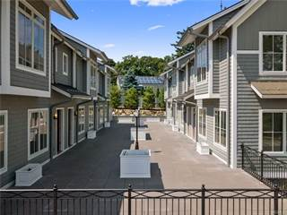 Townhouse for rent in 620 West Boston Post Road 1, Mamaroneck, NY, 10543