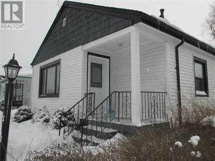 Single Family for sale in 68 FENNELL  AVE E, Hamilton, Ontario, L9A1R8