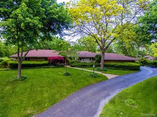 Single Family for sale in 6755 OLD CREEK Road, Bloomfield Township, MI, 48301