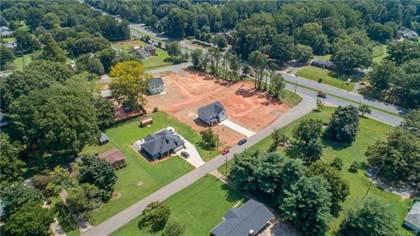 Residential for sale in 5810 Kinghurst Drive, Charlotte, NC, 28227