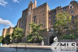 Residential Property for sale in 3940 Ch. de la Côte-des-Neiges C33, Montreal, Quebec