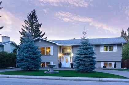 Single Family for sale in 32 Snowdon CR SW, Calgary, Alberta