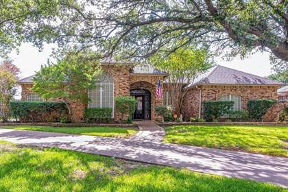 Residential for sale in 2732 Canyon Crest Court, Arlington, TX, 76006