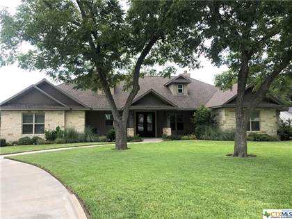 Residential for sale in 1718 N Avenue B, Shiner, TX, 77984