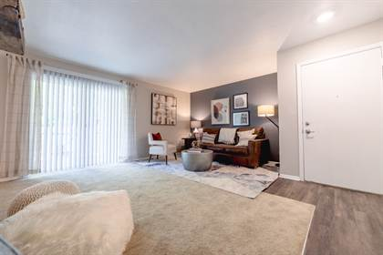 Apartment for rent in 3401 John Hinkle Place, Bloomington, IN, 47408