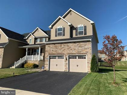 Residential for sale in 9611 CRESCENT LANE, Upper Macungie Township, PA, 18031